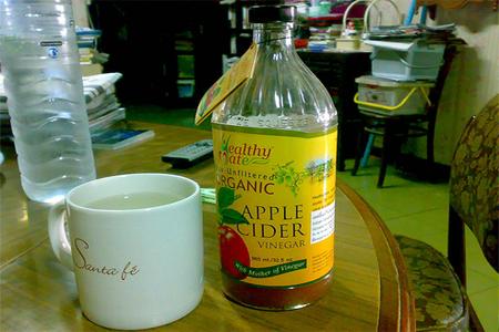 apple cider vinegar from flickr.com image